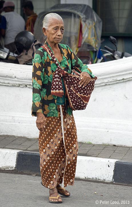 Batik Tulis, Yogyakarta, Photographs of Indonesia, by Peter Loud.